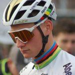 Mathieu van der Poel wint met overtuiging in de laatste wereldbekercross in Hoogerheide